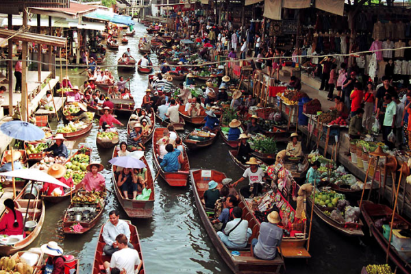 "6 ""Floating Markets"" in Bangkok to Chill, Taste, Shopping"
