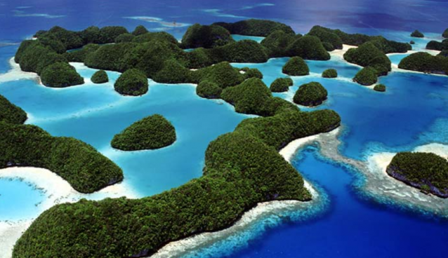 """10 """"Destinations in the World"""" to Visit Before They Disappear"""